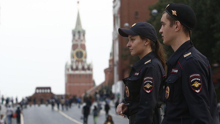 Trenta allarmi bomba a Mosca, evacuate 20.000 persone