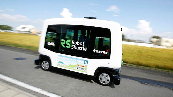 Japonya yaşlılar için robot otobüsleri hizmete sokuyor