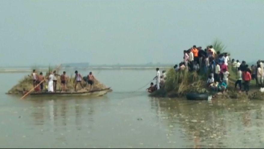 Tragedia en aguas del Yamuna, en el norte de la India