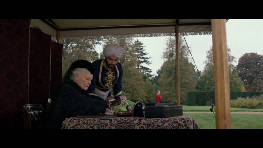 Viktória királynőről szól Frears új filmje