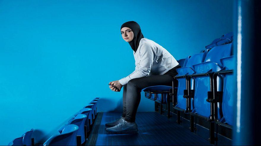 یونکر: هرگز در کمیسیون اروپا فردی را به دلیل حجاب از شغل محروم نمی کنم