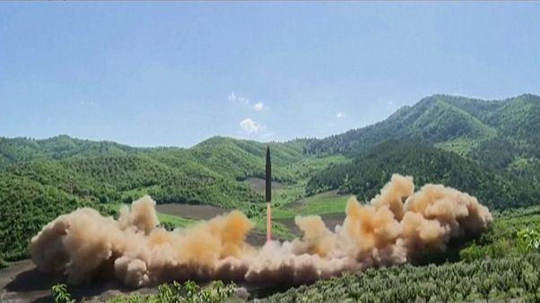 Corea del Sur y Japón denuncian el lanzamiento de un nuevo misil norcoreano que ha sobrevolado la isla de Hokkaido
