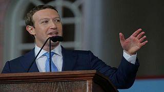 """فيسبوك يدعم جماعة تساعد """"الحالمين"""" على دفع رسوم تجديد تصاريح العمل"""