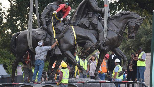 В Далласе памятник генералу Ли снесли без инцидентов