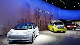 Automobile : le salon de Francfort branché sur courant alternatif