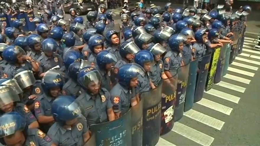 إقالة دائرة كاملة للشرطة في الفلبين