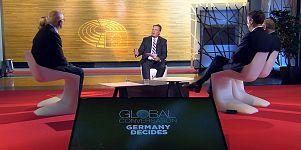 Меркель или Шульц: журналист Euronews ищет ответа у евродепутатов