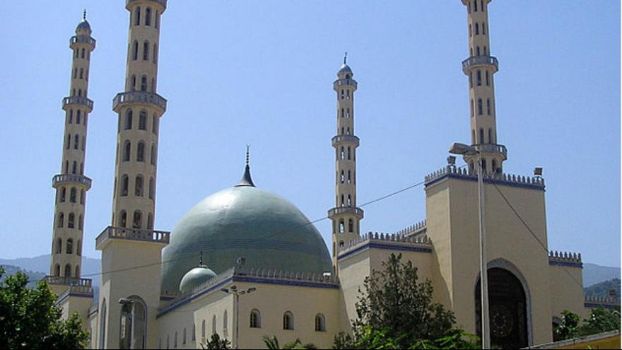 الجزائر تضع ضوابط للآذان في المساجد