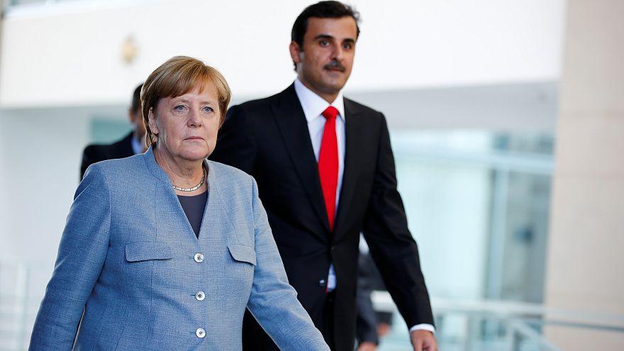 """Qatar, emiro a Berlino: """"pronti al dialogo con paesi del Golfo"""""""