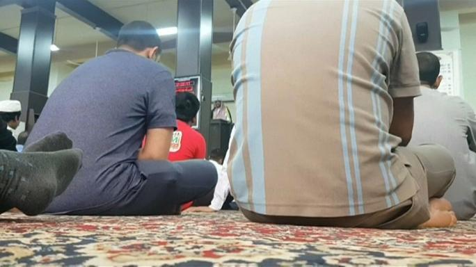 شاهد إمام مسجد في الرياض: الداعون للحراك السياسي جماعات ضالة ومنحلة