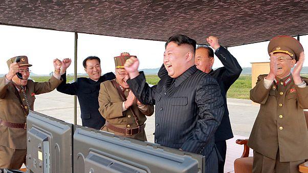 لماذا تستمر كوريا الشمالية في إطلاق صواريخها؟
