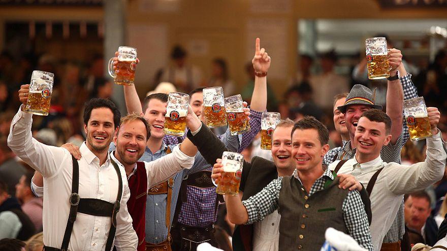 Viel Regen und viel Bier: Das 184. Oktoberfest ruft
