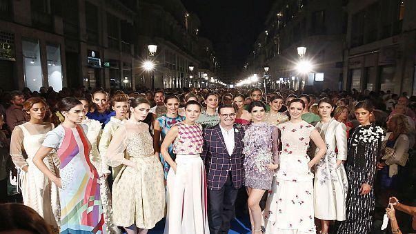"""إبداعات إسبانية في أول يوم من أسبوع الموضة """"بساريلا لاريوس"""" في ملقة"""