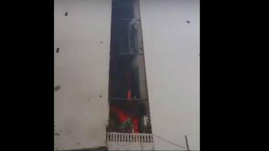 رجل يضرم النار في شقته وعائلته بداخلها في الجزائر العاصمة