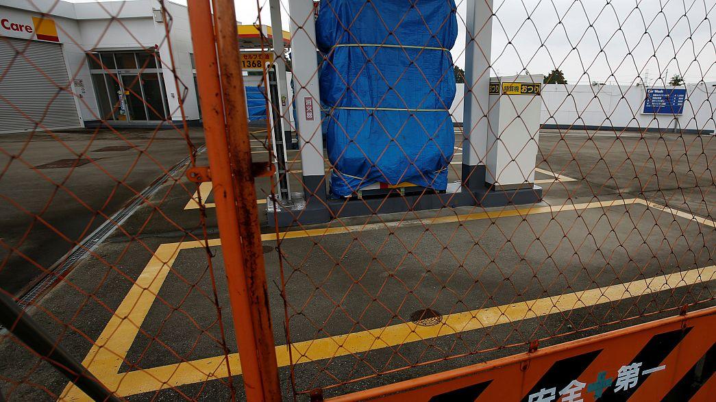اليابان تعاني من نقص في عدد محطات الوقود