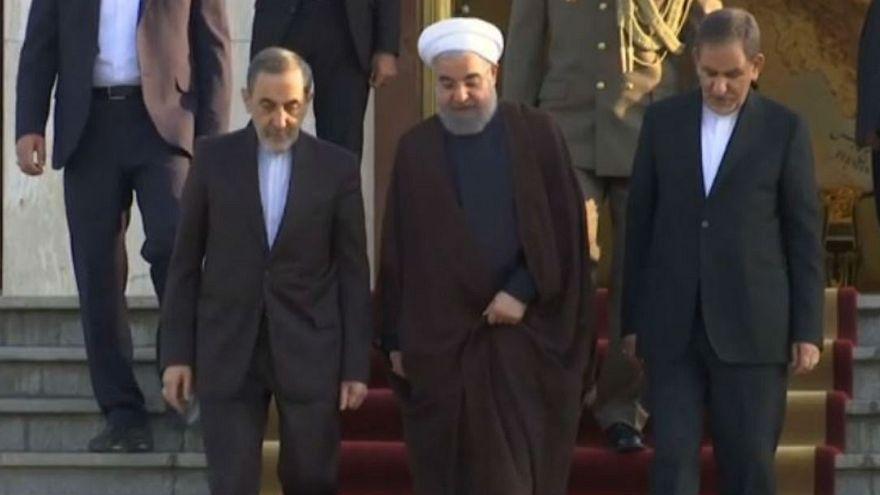 روحانی: آمریکائیها هم می توانند بر سر سفره برجام بنشینند