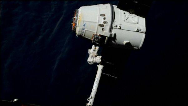 Le cargo spatial SpaceX Dragon attendu sur Terre