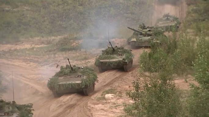 المناورات المشتركة بين روسيا وبيلاروسيا تثير مخاوف الدول المجاورة