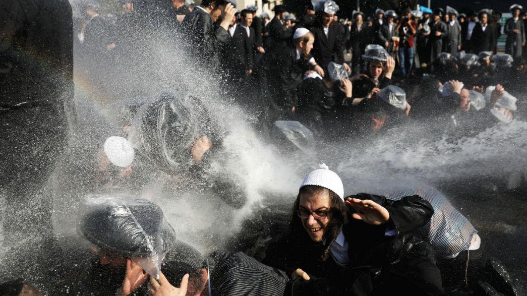 Israel: ultra-ortodoxos protestam contra serviço militar