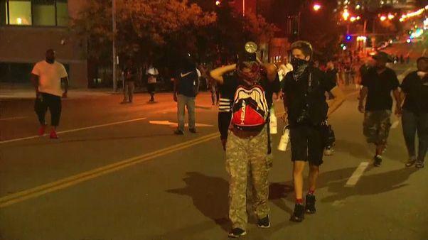 Troisième journée de manifestations antiracistes à St Louis : 80 arrestations