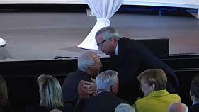 """""""Schäuble é um homem de soluções"""", diz Juncker"""