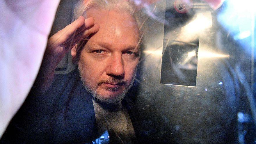 Image: WikiLeaks founder Julian Assange leaves Southwark Crown Court in Lon