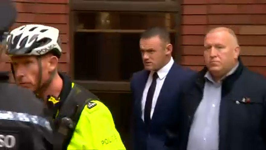 Guidava ubriaco, patente ritirata e servizi sociali a Wayne Rooney