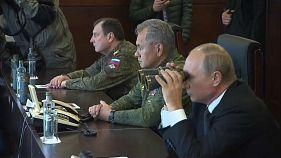 Putin dev askeri tatbikat Zapad'a katıldı