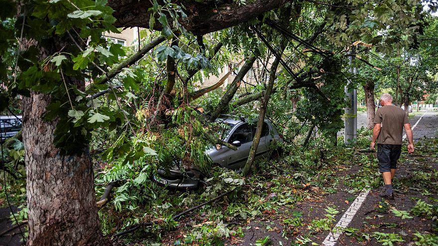 Romania: raffiche di vento a 100 km/h, durante la terribile tempesta che ha sconvolto la parte ovest del Paese