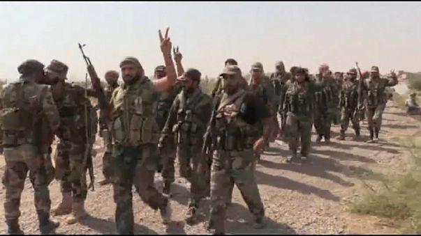 الجيش السوري يقترب من موقع مقاتلين اكراد تدعمهم أمريكا في دير الزور