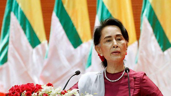 Аун Сан Су Чжи осудила насилие