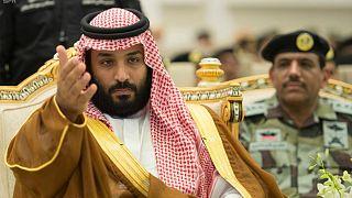 گاردین: شاهزاه جوان عربستان بر نردبان قدرت و کشور در آشفتگی
