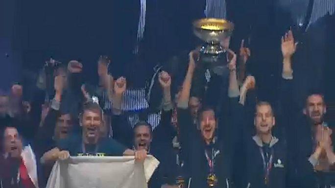 Recibida triunfal en Eslovenia a los héroes del Eurobasket