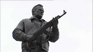 Moscow monument honours Mikhail Kalashnikov