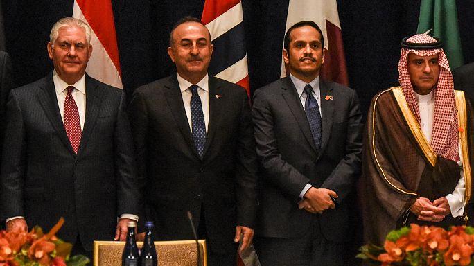 توتر بين وزيري خارجية قطر والسعودية بسبب دبلوماسية جاويش أوغلو