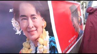 Tras el silencio, un ambigüo discurso de Aung San Sun Kyi