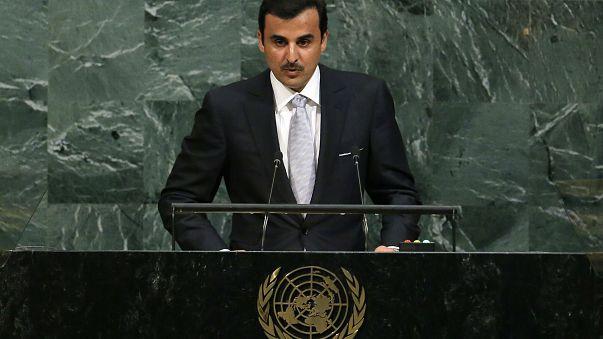 أمير قطر يجدد الدعوة للحوار بشأن أزمة الخليج