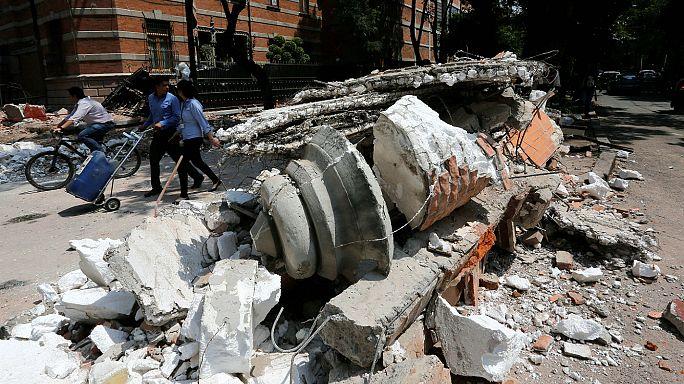 Über 100 Tote bei Erdbeben in Mexiko