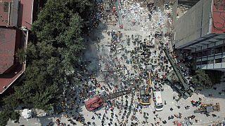 Число жертв землетрясения в Мексике растёт