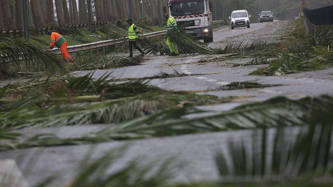 """إعصار ماريا """"المدمر"""" يقترب من سانتا كروز في الجزر العذراء الامريكية"""