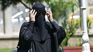 احتمال برگزاری همهپرسی ممنوعیت برقع در سوئیس