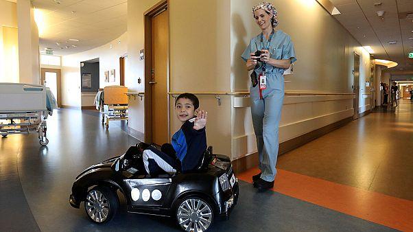 Τηλεκατευθυνόμενα αυτοκινητάκια για νεαρούς ασθενείς!