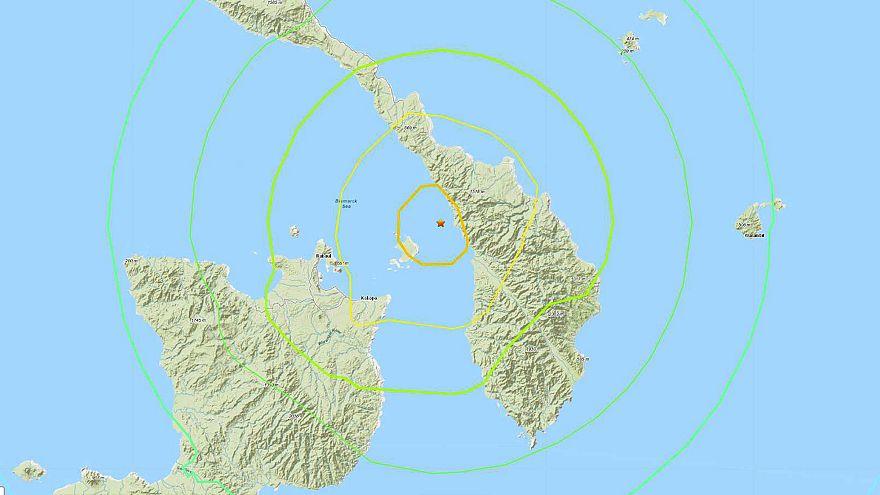 Image: Earthquake Tsunami warning Papua New Guinea