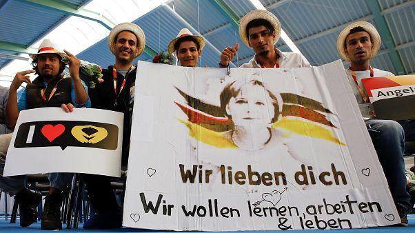 Almanya'da seçim öncesi göç politikası patlak verdi