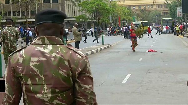 Kenya'da Yüksek Mahkeme önünde protesto