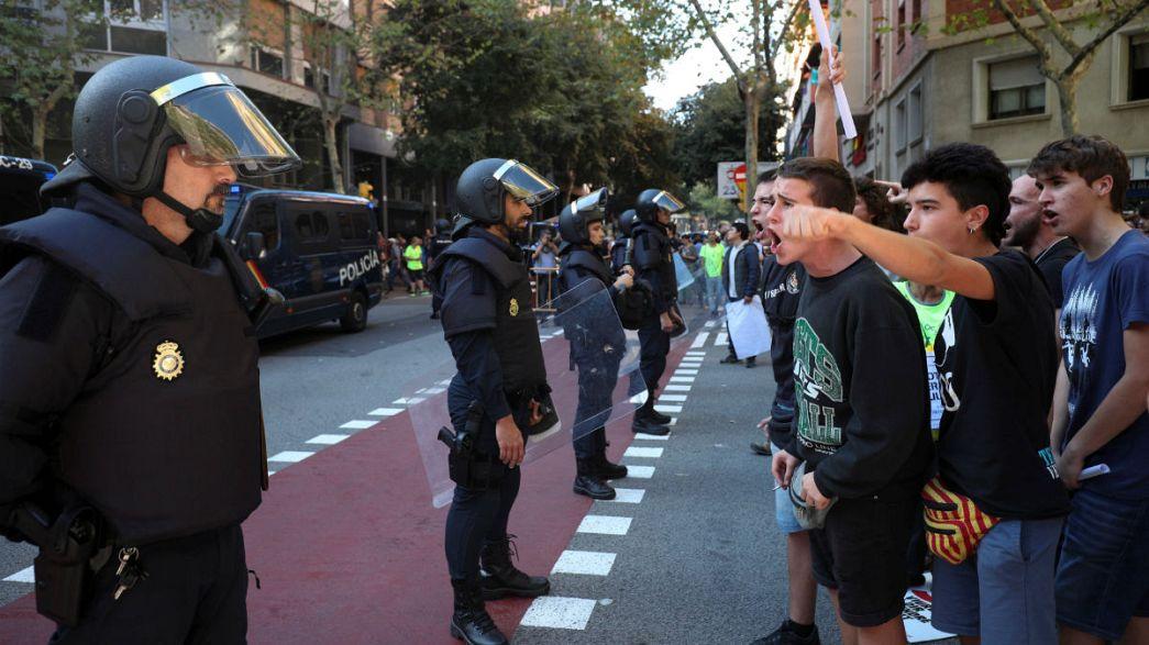 Catalani in strada contro la mano dura di Madrid