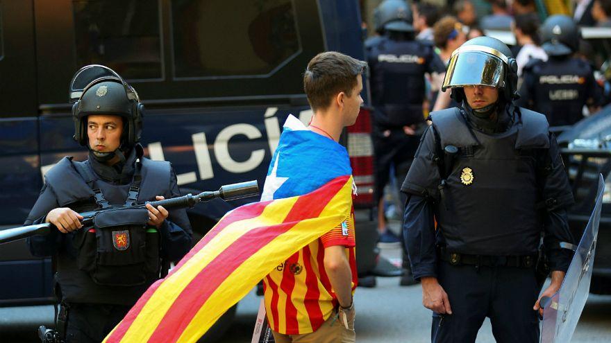 İspanya polisi Katalan hükümet binasını bastı