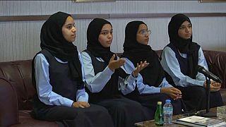 """طالبات إماراتيات يُصنعن """"ميني فورمولا 1"""" في ماليزيا"""