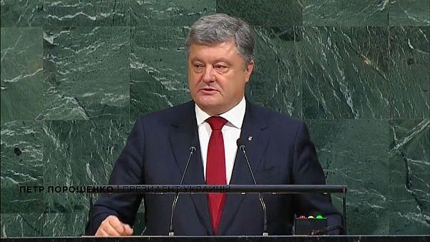Poroshenko all'ONU: 'Mandateci i caschi blu'