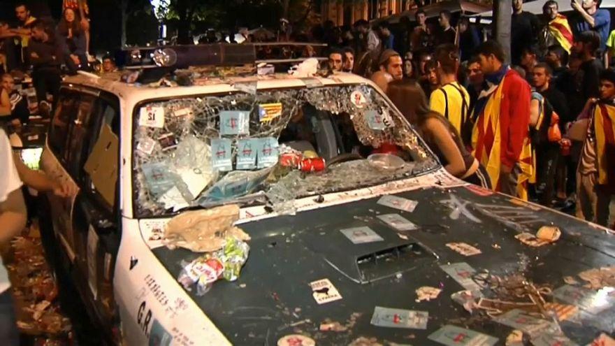 Tensa noche en Barcelona entre Guardia Civil y manifestantes